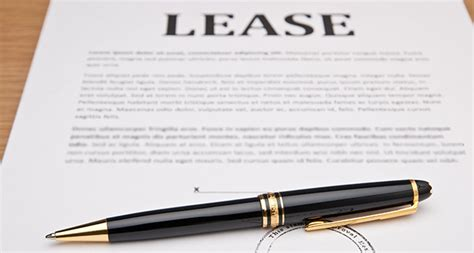 lease a the two types of leases for under ias 17