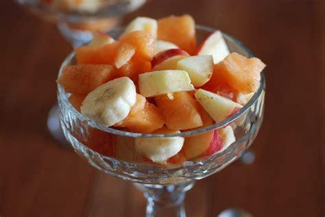comoros fruits frais a la cannelle fresh fruit with