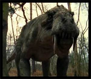 Gorgonposid (Walking with Monsters) vs Gorgonopsid (Primeval)