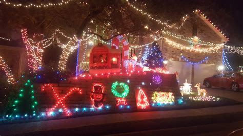life university christmas lights 2017 how to find the best holiday and christmas lighting