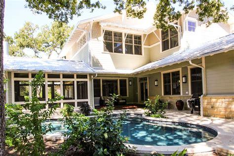 Long Beach Ca- Bungalow Backyard