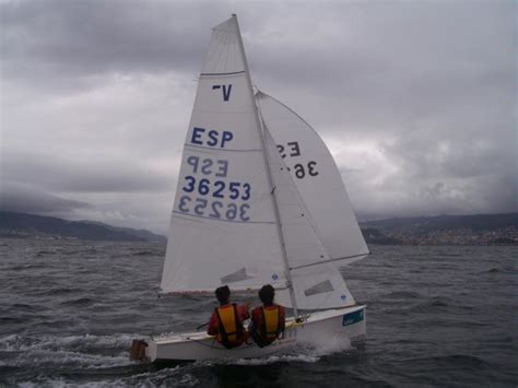 vaurien  pto alassio sailing dinghies   inautia