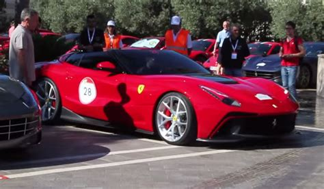 Video Driving Behind Oneoff Ferrari F12 Trs Gtspirit