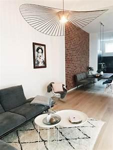 Wohnzimmer Scandi Style : wohnzimmer im scandi look von sarahruth mit angesagtem beni ourain teppich sofa aus samt und ~ Frokenaadalensverden.com Haus und Dekorationen