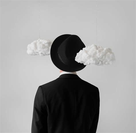 fotografie surrealiste ispirate ai quadri  rene magritte