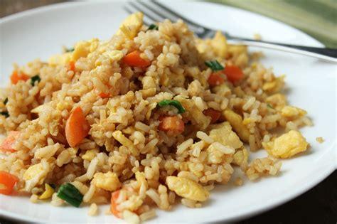 cuisiner le vrai riz frit chinois riz frit chinois cuisiner c 39 est facile