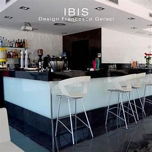 Tabouret Ilot Central : tabouret design pour lot central ibis assise coque couleur pi tement peint noir ~ Teatrodelosmanantiales.com Idées de Décoration