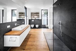 Badezimmer Tapete Wasserabweisend : 10 fantastici bagni moderni con doccia ~ Frokenaadalensverden.com Haus und Dekorationen