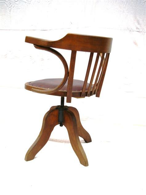 chaise cuir et bois fauteuil baumann bois et cuir jpg chaises tabourets