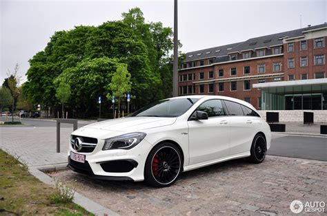 The cla35 sticks with amg's look for a debut of the redesigned cla45 shooting brake later this year. Mercedes-Benz CLA 45 AMG Shooting Brake - 7 May 2017 - Autogespot