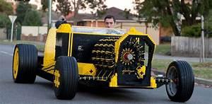 Première Voiture Au Monde : un roumain a construit une voiture en lego adg ~ Medecine-chirurgie-esthetiques.com Avis de Voitures