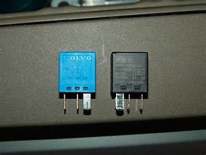 2004 Volvo Xc90  Lower Stoplights Do Not Work