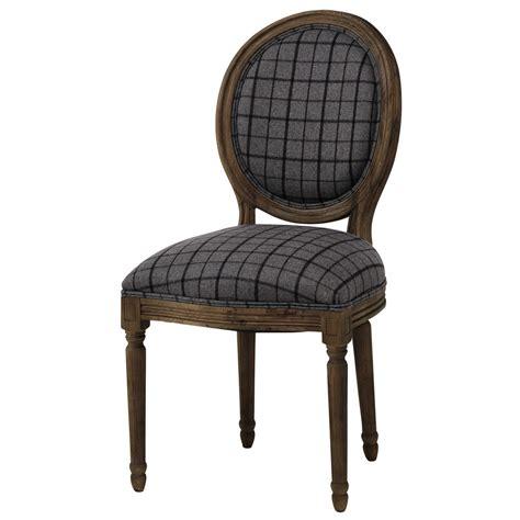 chaise médaillon maison du monde chaise médaillon en tissu à carreaux et chêne grisé louis maisons du monde