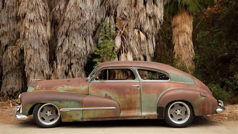 Oldsmobile : 1946 Oldsmobile Icon Derelict Coupe