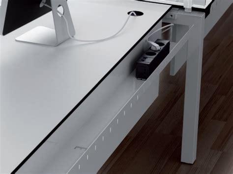 14390 cool office furniture 191505 passage de cable bureau 35 passage de cable bureau chaise