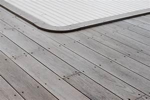 Lame De Bois Terrasse : terrasse bois piscine lame terrasse chene meleze douglas ~ Dailycaller-alerts.com Idées de Décoration