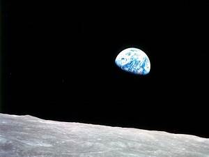 Celebrating Earth Day with Amazing Images – Earthrise
