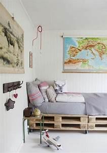 Bett Auf Paletten : bett aus paletten im eigenen schlafzimmer inspirierende ~ Michelbontemps.com Haus und Dekorationen