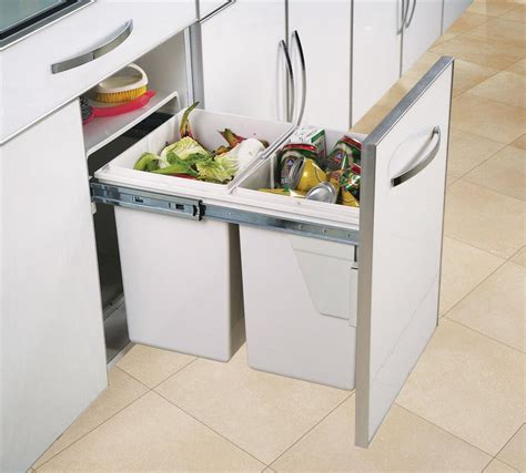poubelle cuisine porte poubelle de cuisine encastrable gris clair 2x20 litres