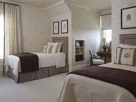 Decorating Ideas For Small Guest Room by Small Guest Bedroom Decorating Ideas Decor Ideasdecor Ideas