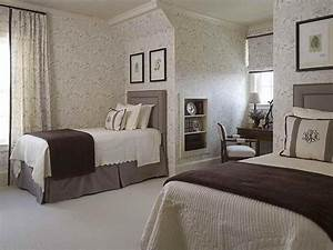 small guest bedroom decorating ideas decor ideasdecor ideas With small guest bedroom decorating ideas