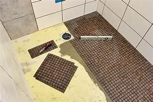 Dusche Bodengleich Fliesen : bodengleiche dusche einbauen ~ Markanthonyermac.com Haus und Dekorationen