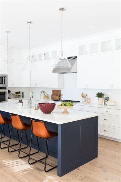 kitchen with white backsplash 25 best ideas about kitchen island sink on 6560