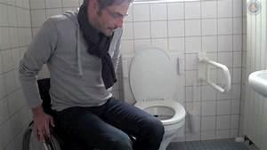 Haltegriffe Für Behinderten Wc Hewi : rollstuhl wc transfer youtube ~ Eleganceandgraceweddings.com Haus und Dekorationen