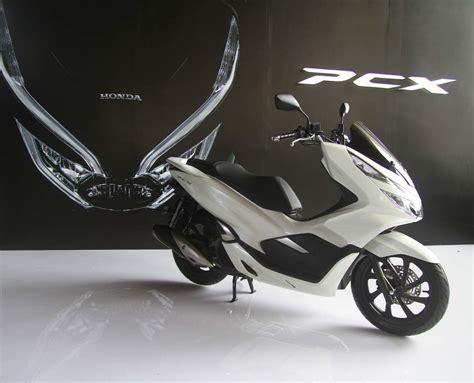 Pcx 2018 Vs Vario 150 by Honda Pcx 2018 Pakai Mesin Vario 150 Enggak Salah Nih