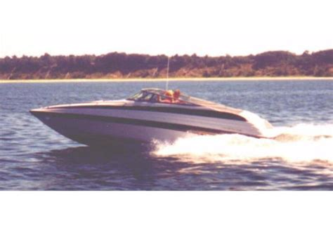 Crownline Boats Michigan by 1998 Crownline 266 Ccr Powerboat For Sale In Michigan