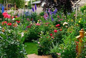Adrienne's: What is an English Garden?