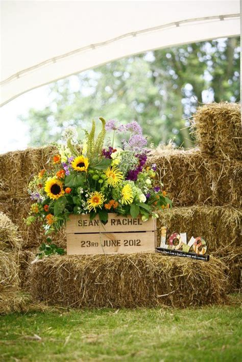 country backyard wedding ideas 30 ways to use hay bales at your country wedding deer
