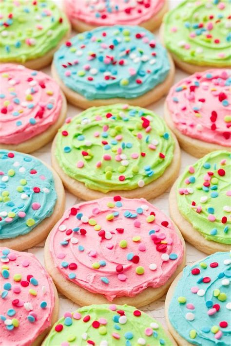 soft frosted sugar cookies recipe diy fabulousness