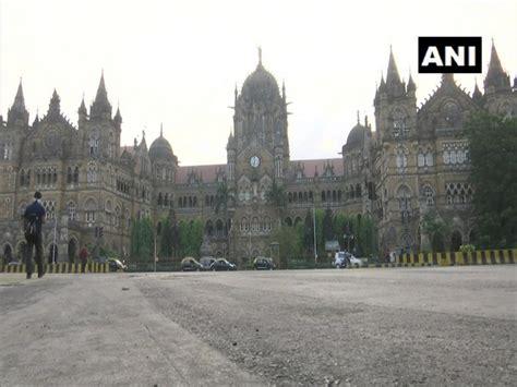Mumbai street wears deserted look due to lockdown, Delhi ...