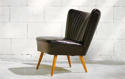 fauteuil de bureau relax retro vintage cocktail stoel zwart met houten pootjes