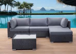 garten lounge sofa beliani rattan gartenmöbel sofa aus polyrattan sitzgruppe gartenlounge sano de