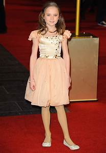 Isabelle Allen Picture 2 - Les Miserables World Premiere ...
