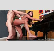 Michael Vega Ariella Ferrera In Seduced By A Cougar