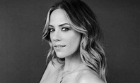 Jana Kramer poses topless on Instagram as she shows off ...