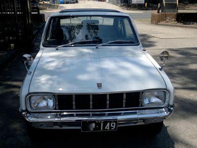 mazda 1300 coupe tahun 1972 klasik gambar mobil klasik