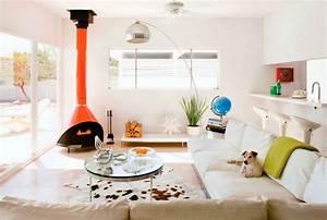 cheminee contemporaine salon 55 idees en styles varies With tapis peau de vache avec canapé convertible et fauteuil assorti