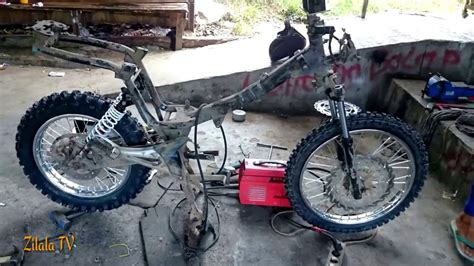 Supra 125 Modif by Custom Motor Supra Fit Customotto