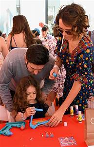 David Schwimmer makes rare appearance with wife and daughter