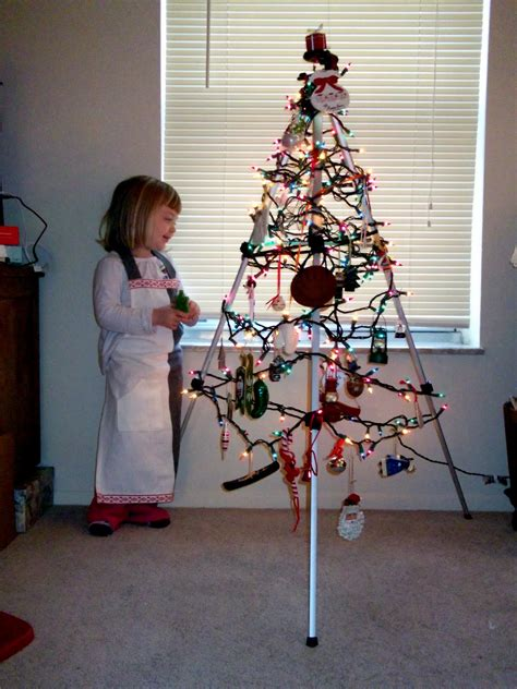 get the look traditional christmas really i m as old as i feel our non traditional christmas quot tree quot
