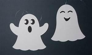 Bastelideen Für Halloween : fensterschmuck fensterbild gespenst geist herbst ~ Lizthompson.info Haus und Dekorationen