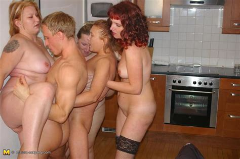 mature fuck party