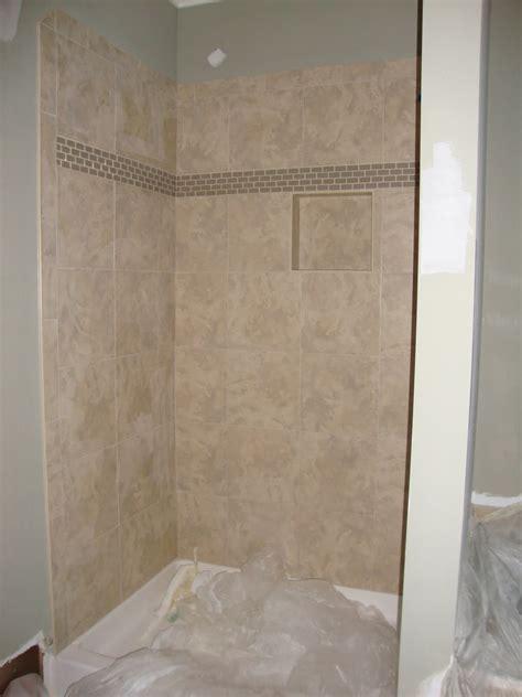 ideas  mosaic tile accents   bathroom