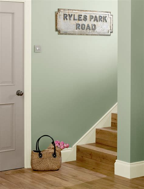 inspirational ideas for painting your hallway crown