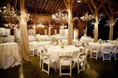 Barn Wedding Decorations : Country Wedding In A Barn With Burlap Wrapped Beams