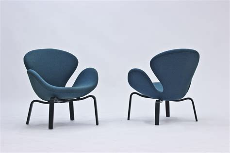 swan lounge chairs by arne jacobsen nordlings antik
